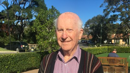 Northern Beaches elderly spend three years on hold for mobile phone tower