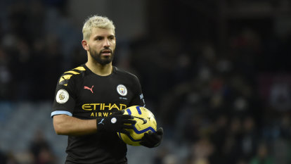 Aguero breaks record as City thrash Villa