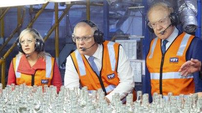 Scott Morrison and Anthony Pratt break new ground, glass, in Sydney