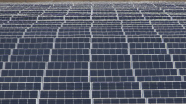 Solar farm in Kerang, Victoria: Study finds the shift to renewables for all energy sources is within our reach.