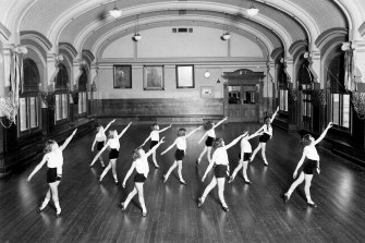 """A 1930 """"physical culture"""" class in the Flinders Street Station ballroom."""