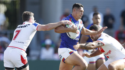 Tuivasa-Sheck wins battle of fullbacks as Warriors end Dragons' streak