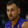 Bogut stars in Kings win on eve of MVP announcement