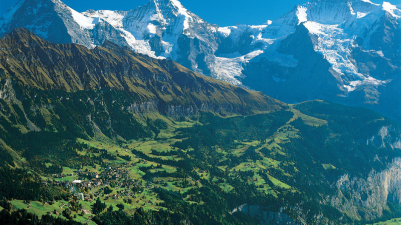 I'm gonna die': US tourist posts video of terrifying Swiss hang