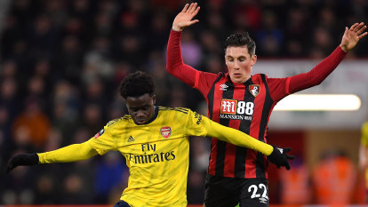 Saka lifts Arsenal into FA Cup fifth round