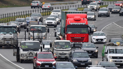 The anatomy of a traffic jam: how a freeway closure affects travel speeds and how road authorities respond