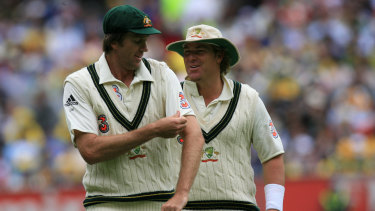 Glenn McGrath and Shane Warne play in the Boxing Day Test in 2006.