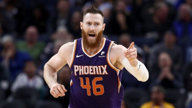 Aron Baynes had another big game after his recent crossing to the Suns.