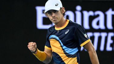 Alex de Minaur has booked a third-round spot at the Australian Open.