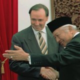Paul Keating and Suharto in 1996.