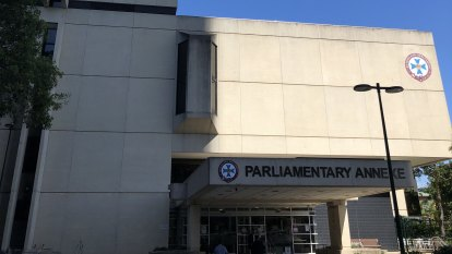 Queensland Parliament building 'falling apart' as exclusion zone declared