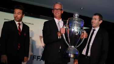 Former NRL and FFA chief executive David Gallop could do a job for rugby.