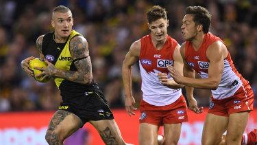 Dustin Martin burst away from his Sydney opponents.