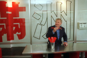 Terence Conran at Fu Man Chu in Darlinghurst, 1996.