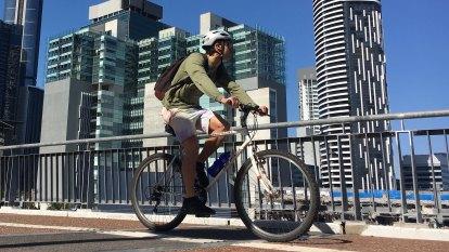 UQ quiet on new green bridges, despite 35 per cent rise in cycling
