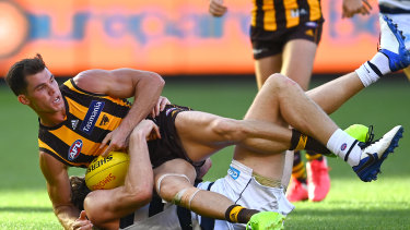 The advertisement ran during a live broadcast of the Easter Monday match between Hawthorn and Geelong.