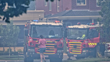 Nearby residents were warned to move two streets back from the grass fire.