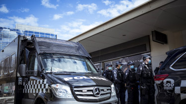 Police arrive at Chadstone Shopping Centre on Sunday.