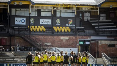 Richmond's AFLW team train at Punt Road Oval the day before their clash with Brisbane.