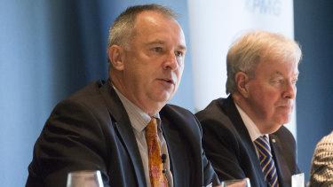 APS review panellist Gordon de Brouwer with then public service commissioner John Lloyd in 2017.
