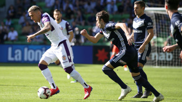 Perth Glory's Jason Davidson takes off against Victory on Sunday.