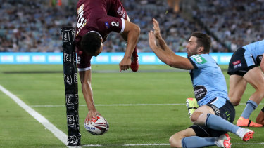 Xavier Coates scores an incredible try during last year's Origin series.