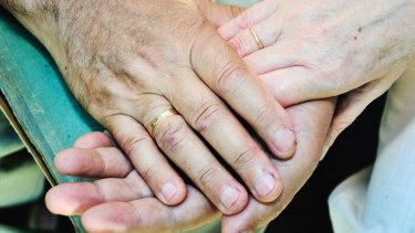 Dementia rates have fallen despite the lack of effective new treatments, a report shows.