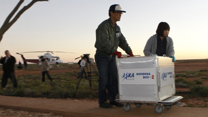 Japanese probe to light up the sky as it lands in outback Australia