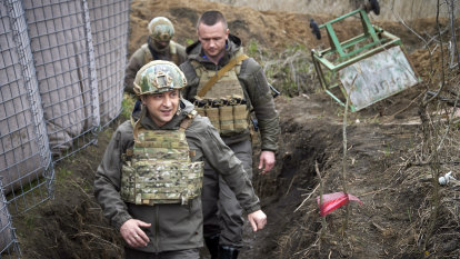 Russian tanks on Ukraine border have analysts guessing Putin's next move