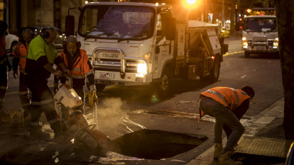 Sinkhole opens up in Melbourne CBD