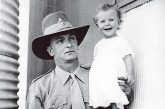 Bill McKinnon seen with his daughter Susan in 1941.