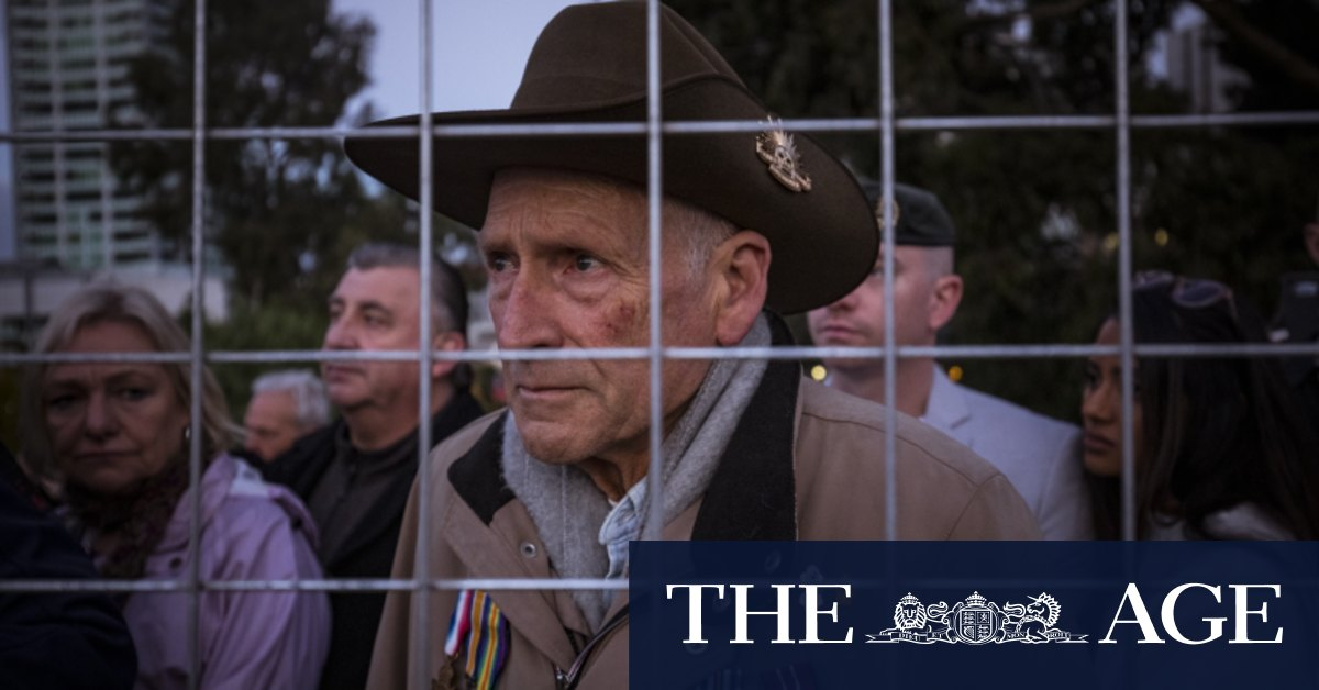 'Dumb government fence': Crowds return for Anzac Day service but some veterans locked out by fence – The Age