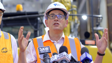 Premier Daniel Andrews has promised a rebate for households that will deliver 60,000 solar hot water systems.