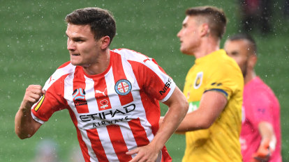 Melbourne City sink the Mariners to move clear on top of the table