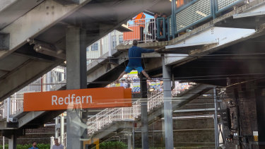 Choke point': How Redfern police operation sparked train delays