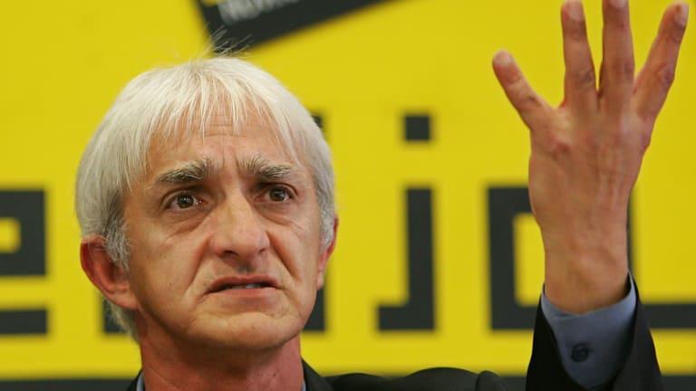 Dragan Vasiljkovic, better known as Captain Dragan, at a press conference in 2005.