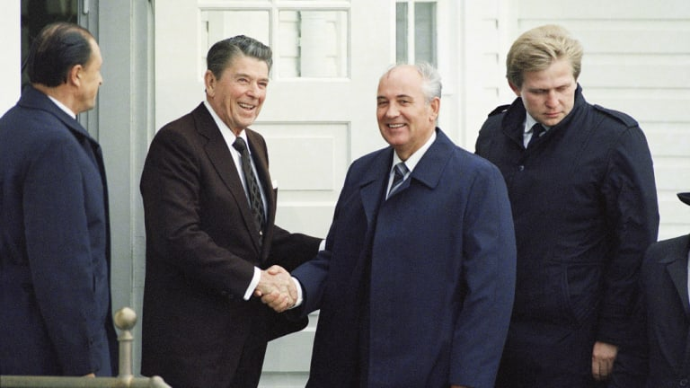 US president Ronald Regan spent months preparing with advisers for his meeting with Russian counterpart Mikhail Gorbachev  in 1986.