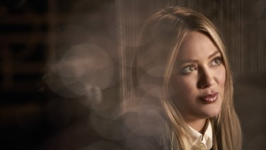 Hillary Duff in Younger season 6.