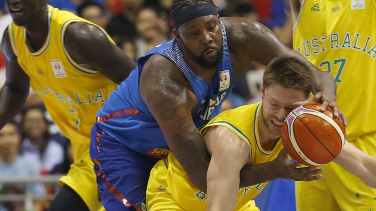 Mathew Dellavedova in action against the Philippines.