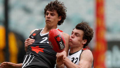 Untried Callow wins invite to train with Hawks