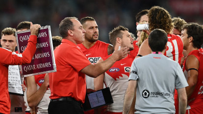 'Cut with a chainsaw': Longmire calls for AFL help after staff costs slashed