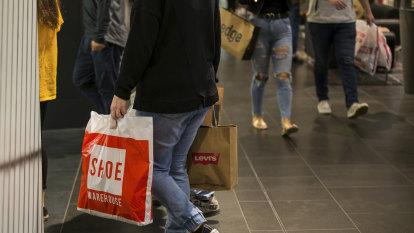 Unions claim $1250 public sector bonus will help Queensland economy