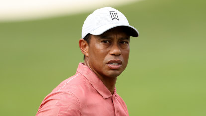 Woods has fifth back surgery, will miss Torrey Pines and Riviera