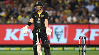 Warner leads T20 whitewash over Sri Lanka with another zinger
