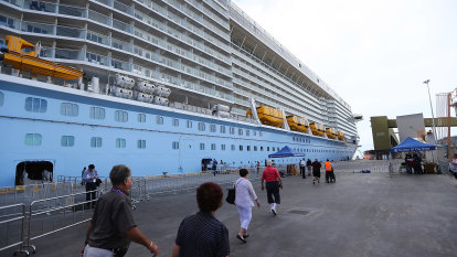 Push for cruise ship bubbles to get locals back on the water
