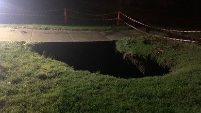 Hundreds of SES calls, large sinkhole opens as storms lash state