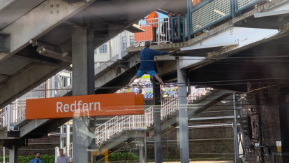 'Choke point': How Redfern police operation sparked train delays