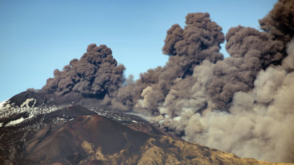 Panic as earthquake at Mount Etna jolts Sicily
