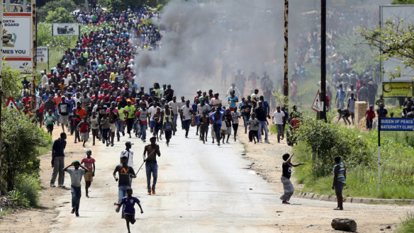 Zimbabwe's violent crackdown continues with reports of rapes