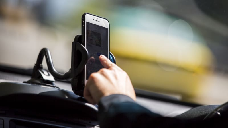 Drivers may face tougher ban on phone use